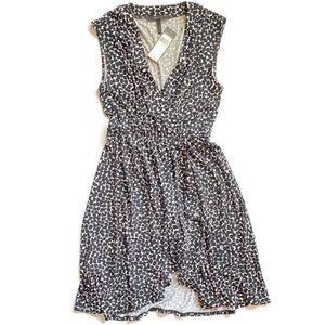 S BCBGMAXAZRIA Wrap Stretch Dress Sleeveless spots